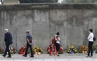 Tembok Berlin - Memberi Kebaikan atau Keburukan