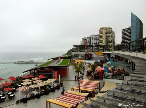 Lima, Miraflores. Larcomar