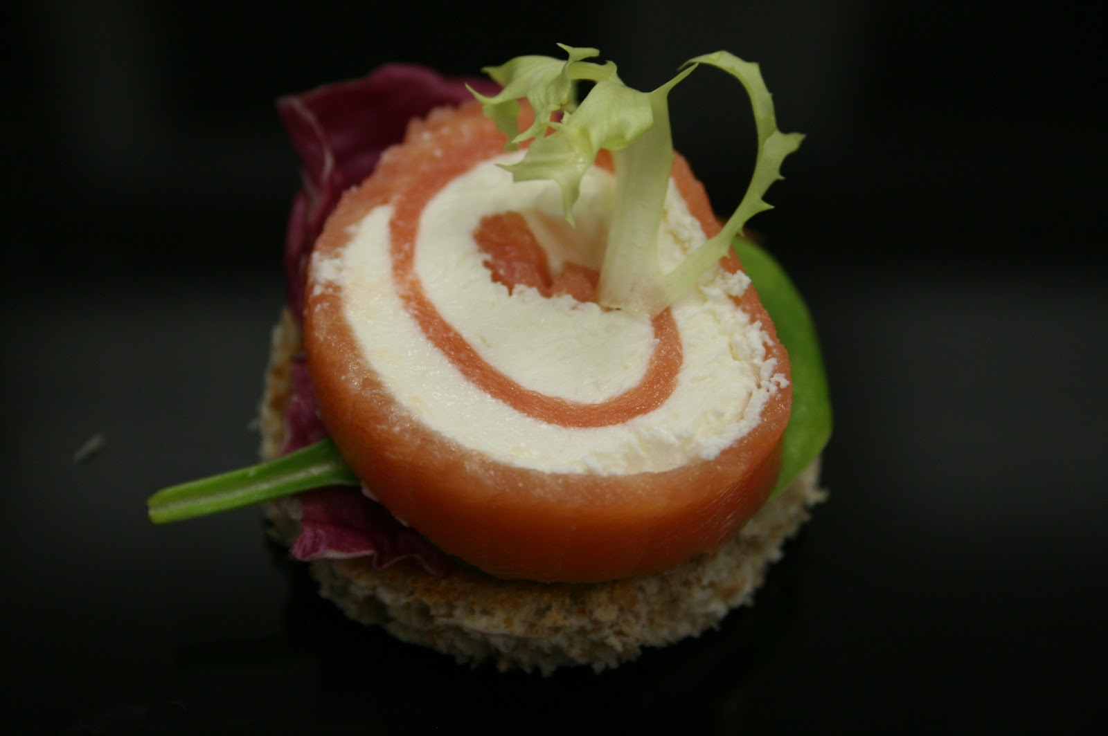 Country gourmet traveler canapes little delicious eats for Smoked salmon roulade canape