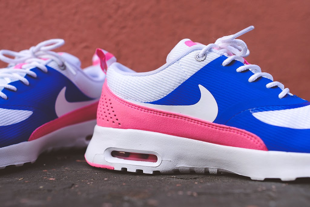 Wmns Nike Air Max Thea Game Royal White Pink Glow