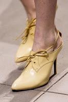 Затворени обувки с връзки на висок ток от Balenciaga