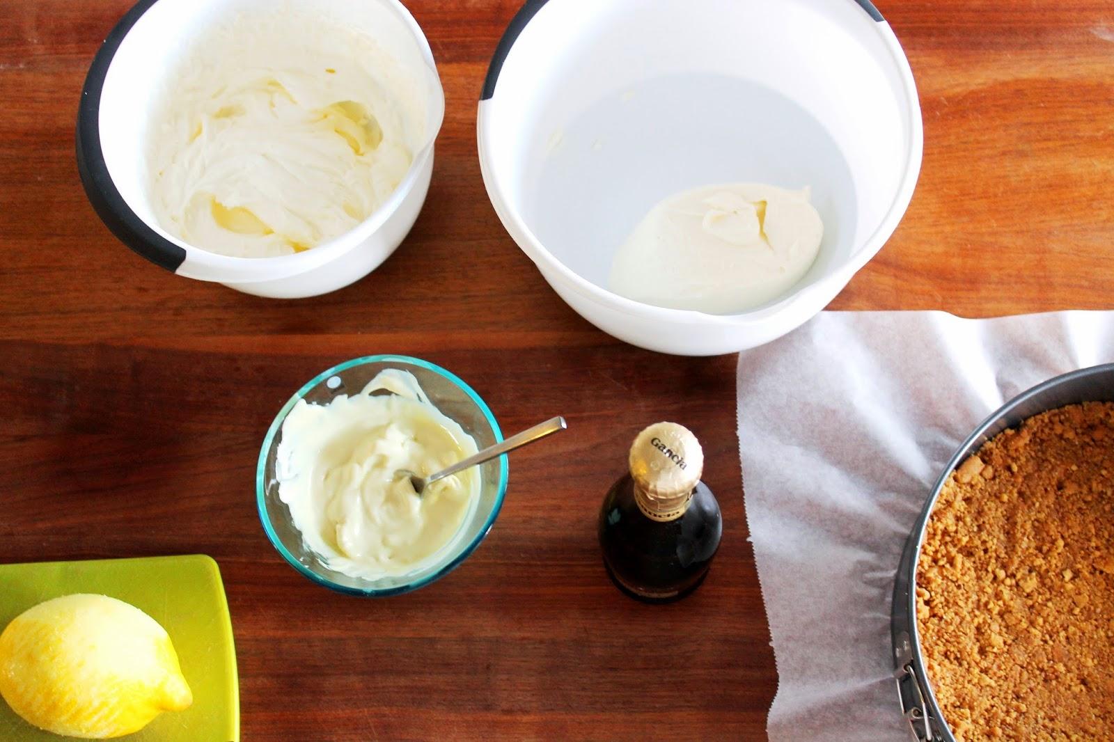 Baking whitechocolate-champagne-cheesecake   Alinan kotona blog #recipe #cheesecake #champagne #lemon #baking