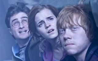 Imagen de Harry Potter 7 de Harry, Hermione y Ron observando algo