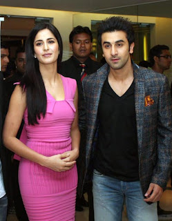 Katrina Kaif is looking happy with Ranbir Kapoor