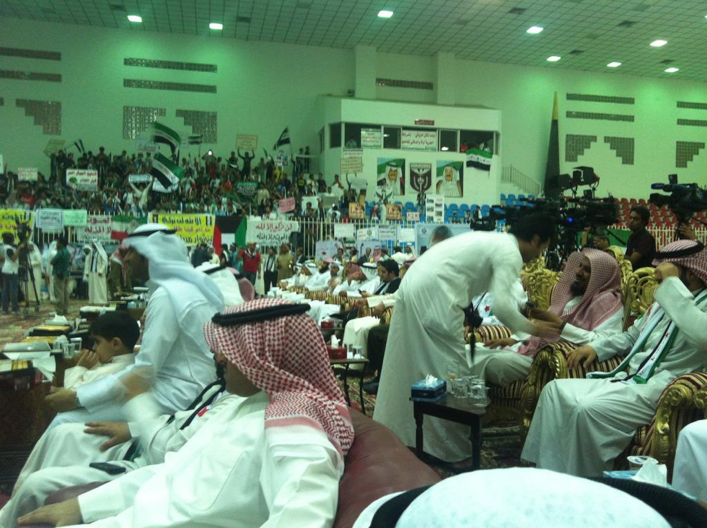 """تغطية لندوة """" اقتربت ساعة الصفر """" لنصرة الشعب السوري في نادي النصر الرياضي"""