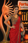 Shriya Sizzling in saree at IIFA Utsavam-thumbnail-19