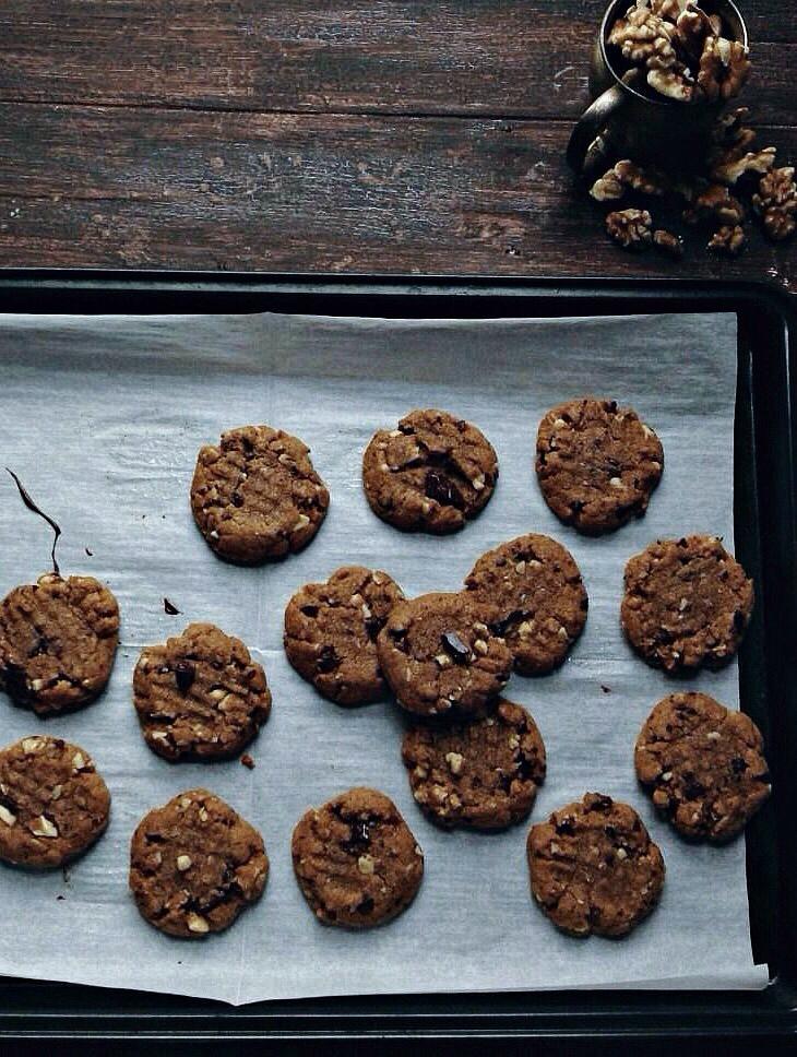 flourless maple walnut peanut butter cookies   une gamine dans la cuisine