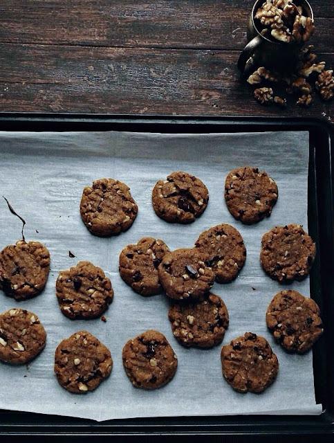 flourless maple walnut peanut butter cookies | une gamine dans la cuisine
