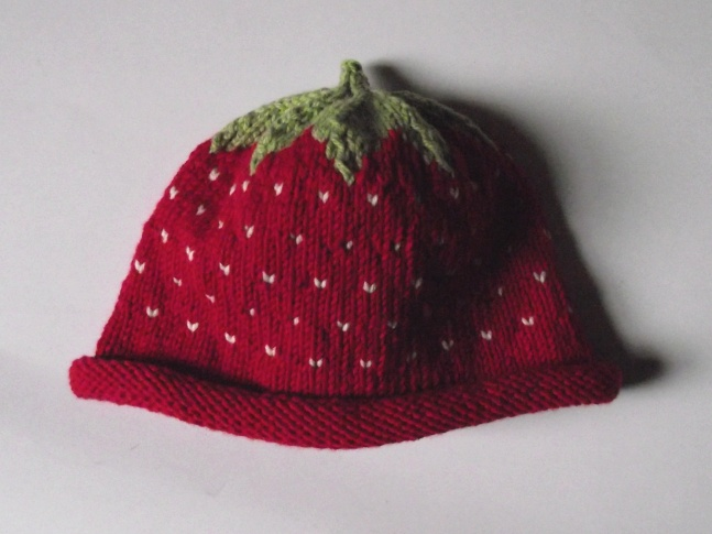 The Nutty Knitters blog: Strawberry hat