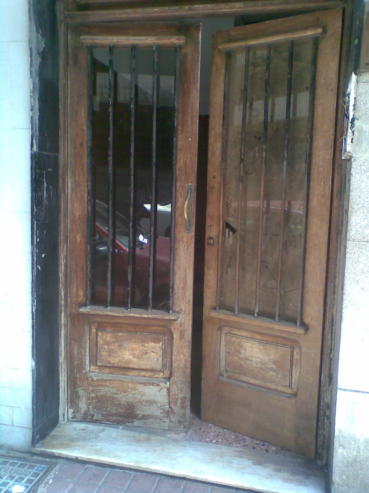 Madera con arte portal de madera restaurado - Portales de madera ...