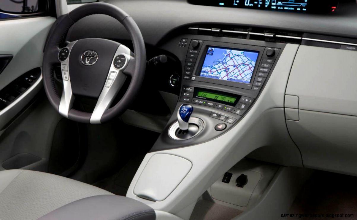 Toyota Prius interior gallery MoiBibiki 1