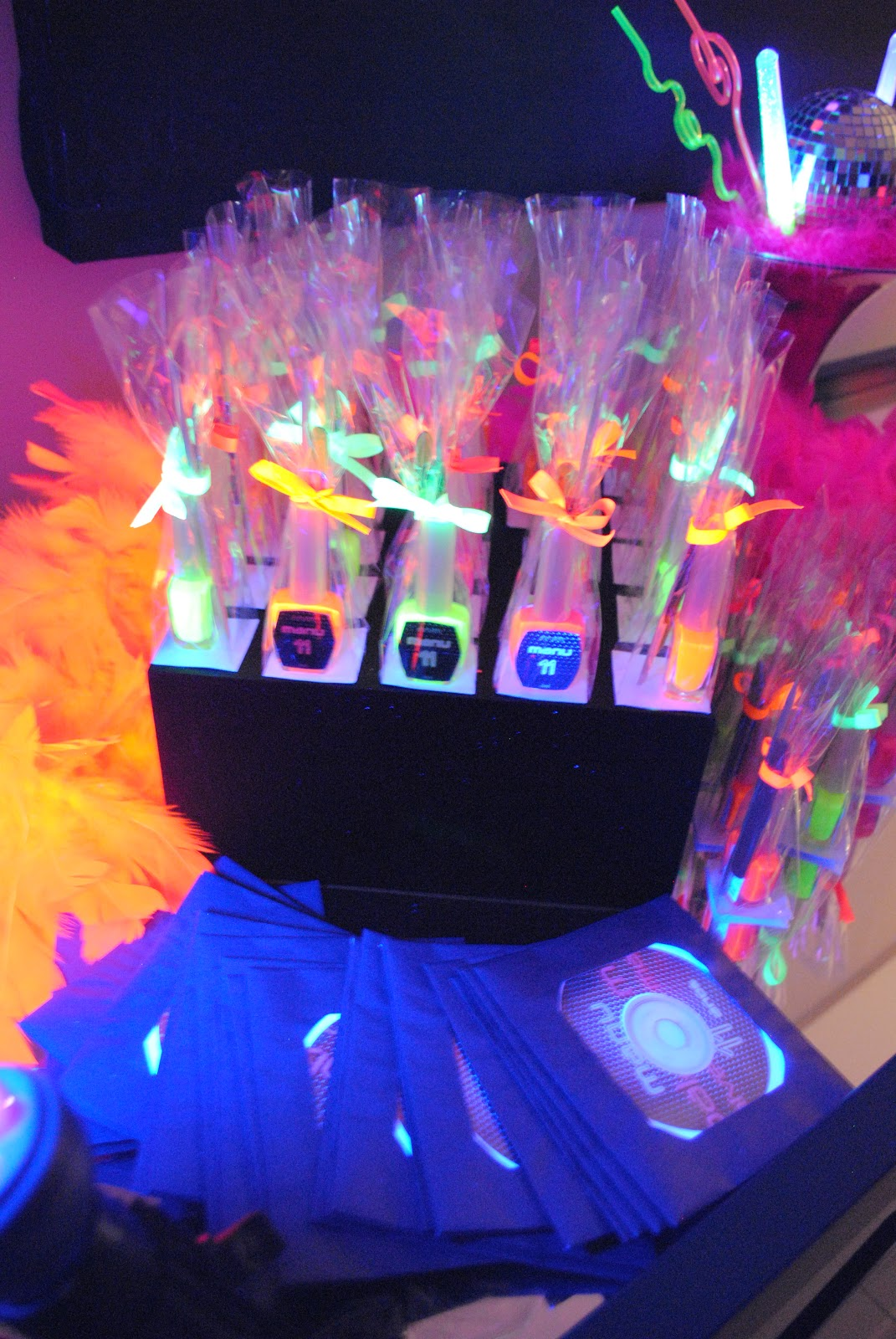 decoracao festa neon:Mari com Açúcar: Balada Neon!!!!!