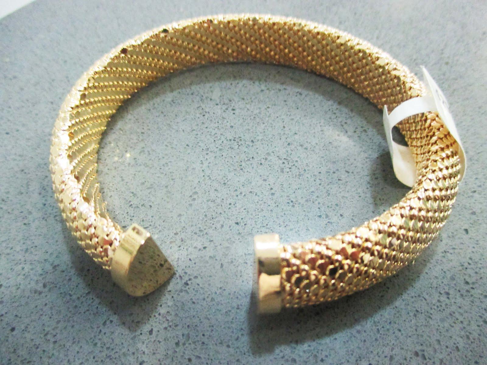 Pulsera de acero dorado