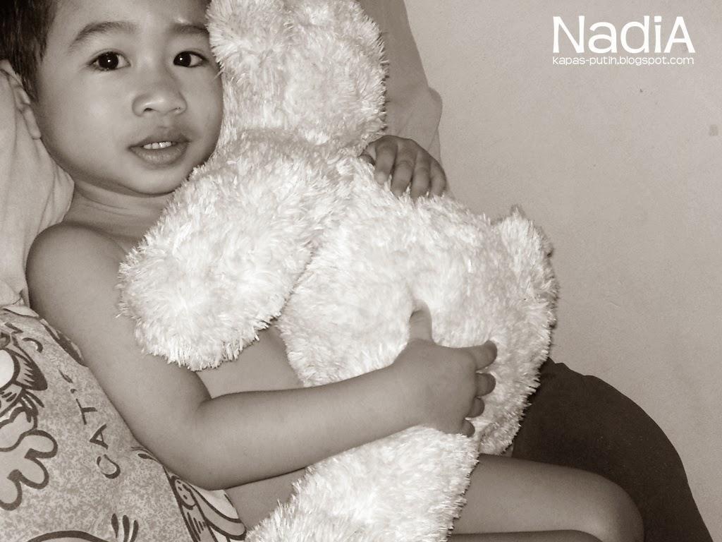 Baby Asy dan Blue Bebear
