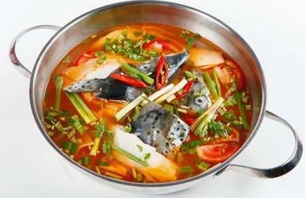 Cách nấu Lẩu đầu cá hồi măng chua ngon
