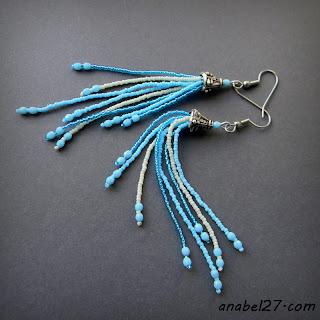 Длинные бисерные серьги-кисти - голубой / кремовый - 212 / 365