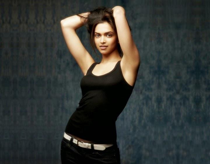 Deepika Padukone's Dress slips tight top shows her huge big cleavage