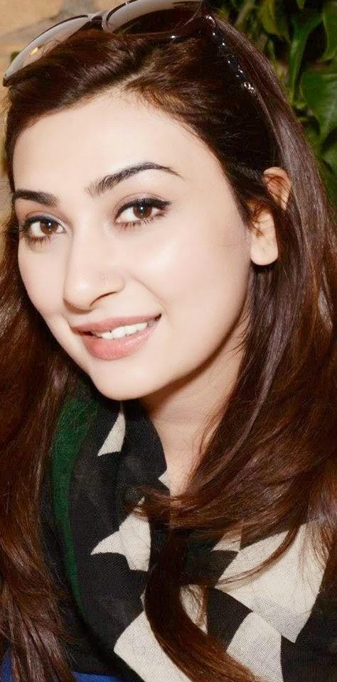 Ayesha Khan Free HD Wallpaper 2015
