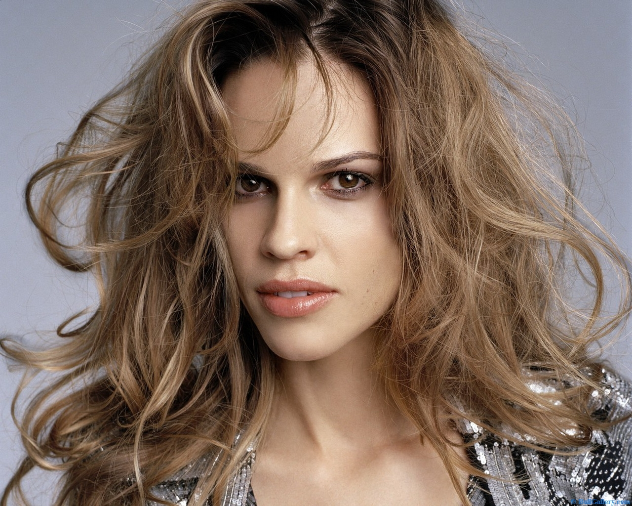 http://3.bp.blogspot.com/-1ho3M5kBKu8/UFtHoFOvckI/AAAAAAAAEhQ/JA3hJwYowh8/s1600/Hilary-Swank-Hairstyle.jpg