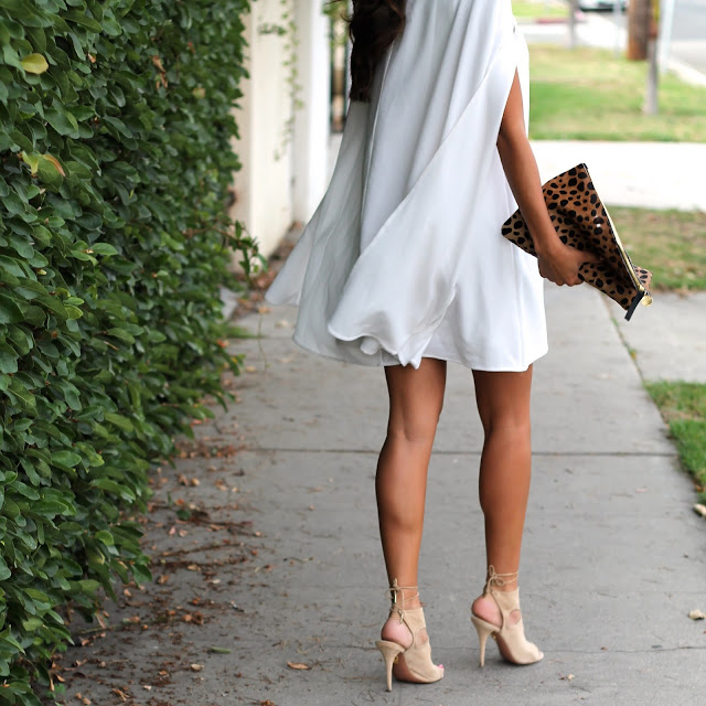 how to wear cape dress, nasty gal white dress, summer date night outfit