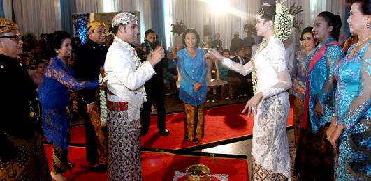 Devika Wedding: UPACARA ADAT JAWA