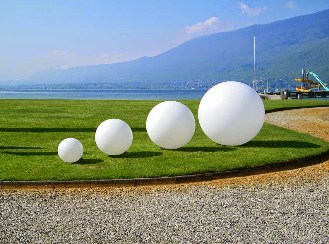 Spheres en eclairage de jardins paysagiste val d 39 oise for Entretien jardin 95