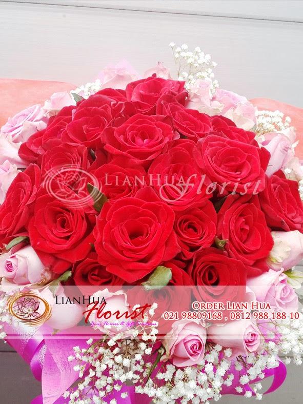 karangan bunga buket mawar, bunga ulang tahun, bunga untuk pacar, handbouquet mawar, han buket, bunga mawar merah, toko bunga di jakarta