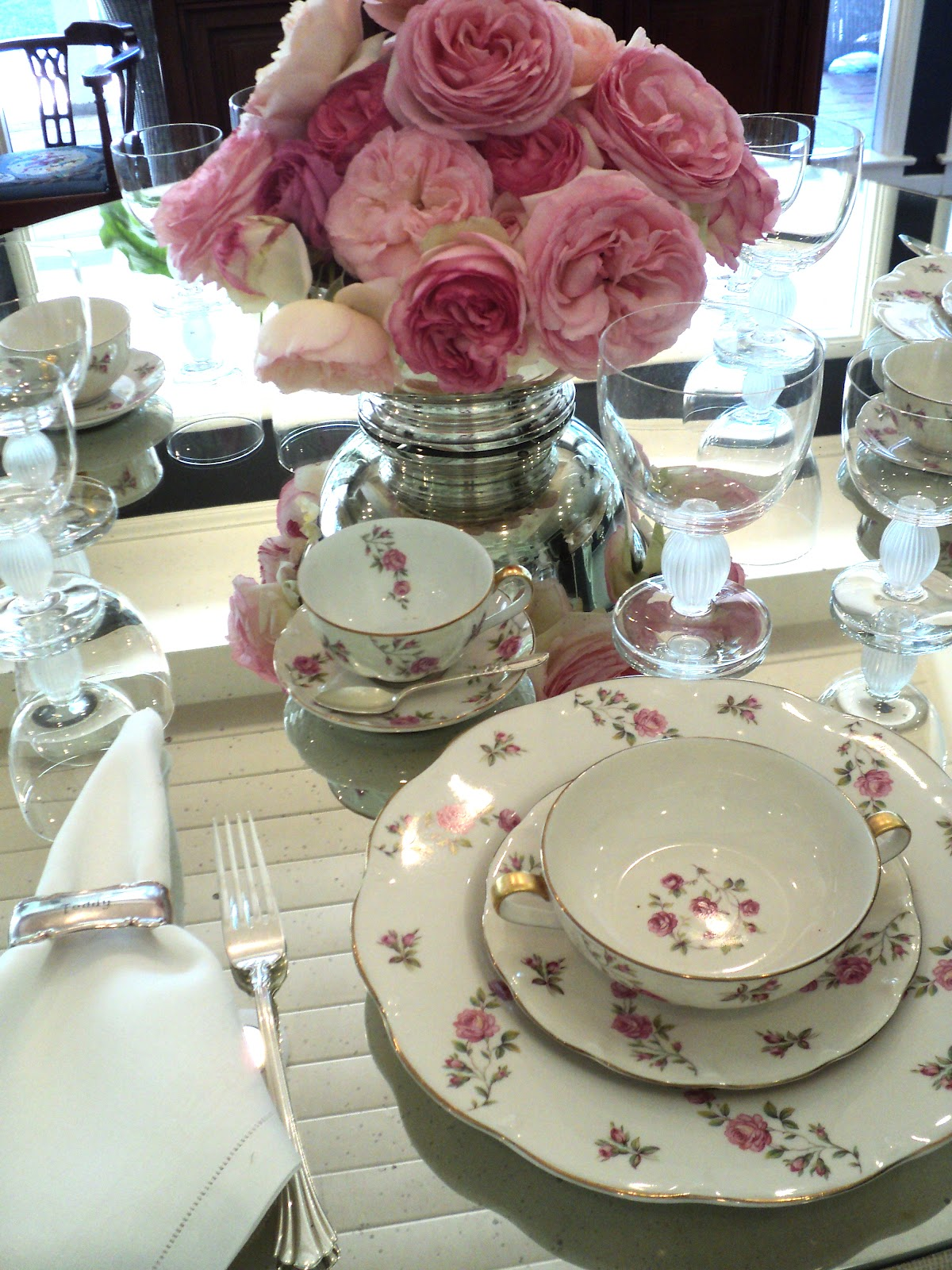 Table Setting For Lunch : Knitionary: A Rosy Luncheon