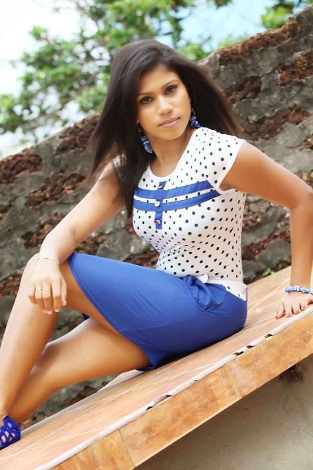 Tharaka Probodani hot blue legs