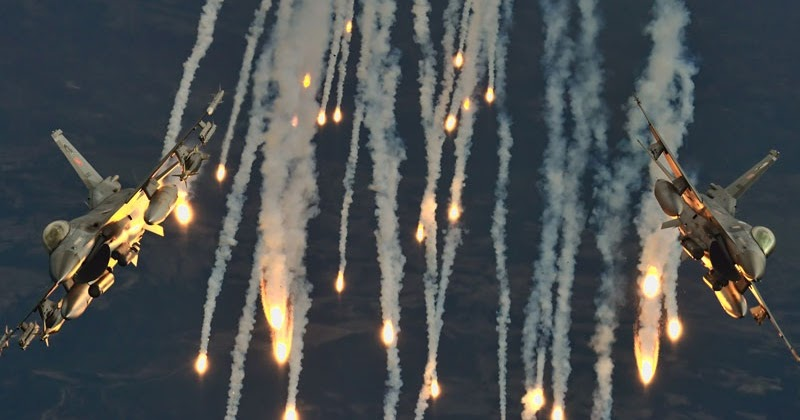 Turkish F 16c Fighting Falcon Fighter Jets Using Flare