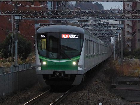 小田急電鉄 急行 新百合ヶ丘行き3 東京メトロ16000系(95E代走)