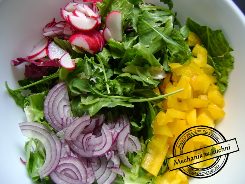 Mix sałat z sosem winegret mechanik w kuchni sos winegret warzywa sałatka do obiadu mix sałat
