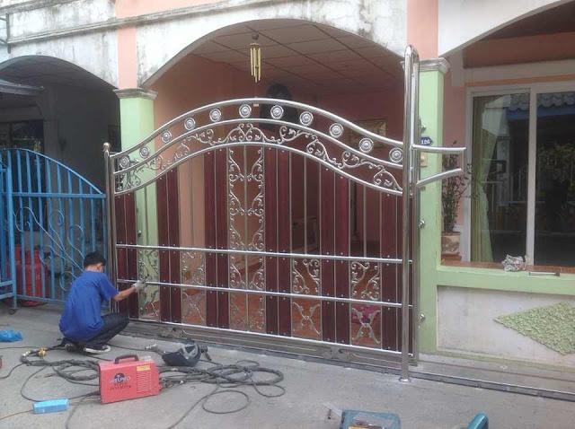 ประตูรั้ว, ประตูรั้วบ้านสแตนเลสผสมไม้