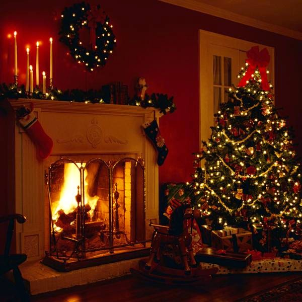 arbol de navidades con chimenea