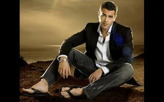 Jesse Metcalfe in sandals - de chinelos - Homem de chinelo de dedo - Pés Masculinos