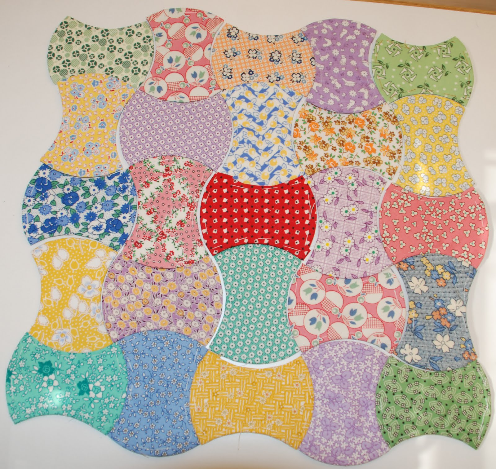 Spun sugar quilts tutorial english paper piecing applecore shape tutorial english paper piecing applecore shape part 1 pronofoot35fo Image collections