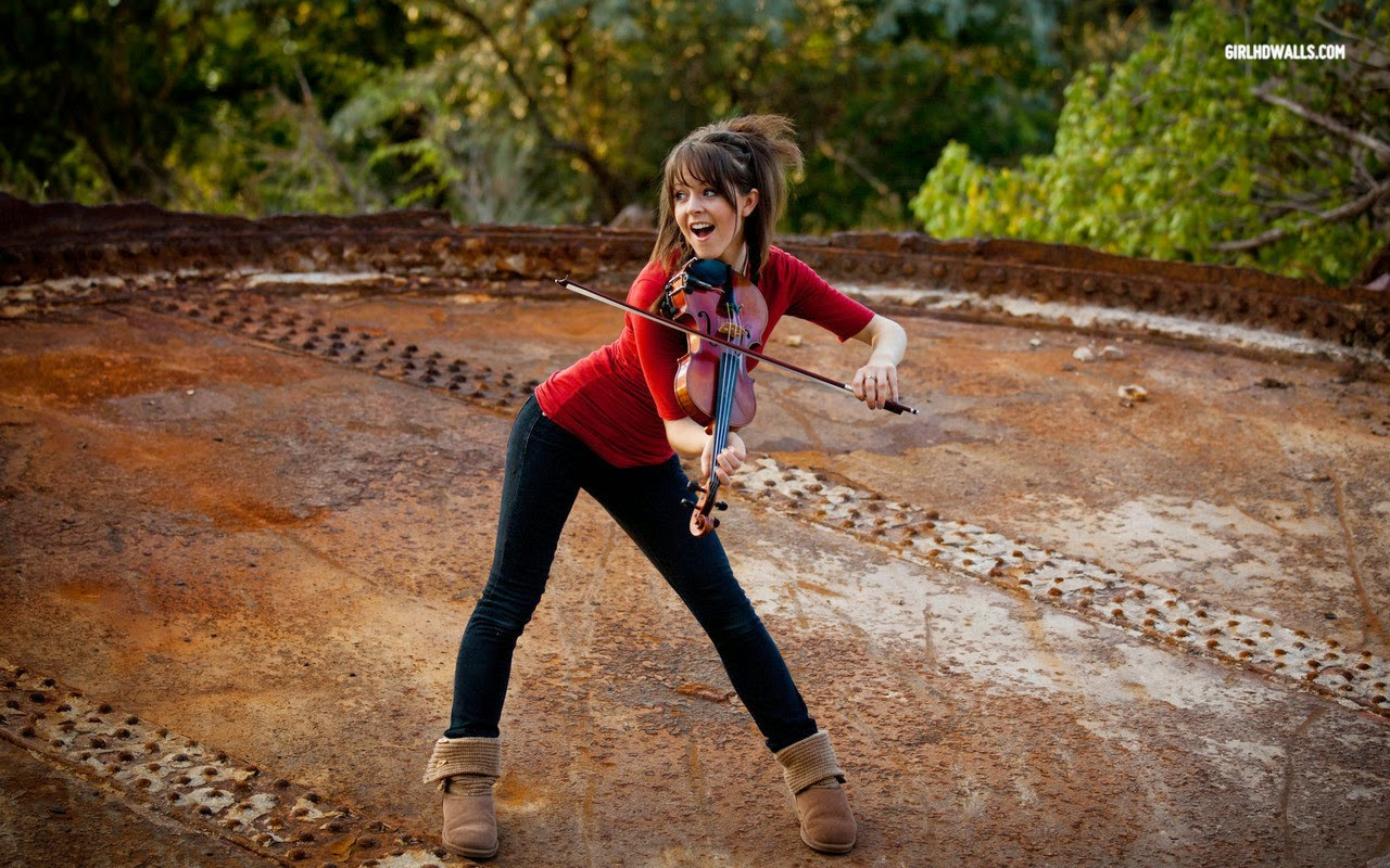 cute Lindsey Stirling pics Women of YouTube