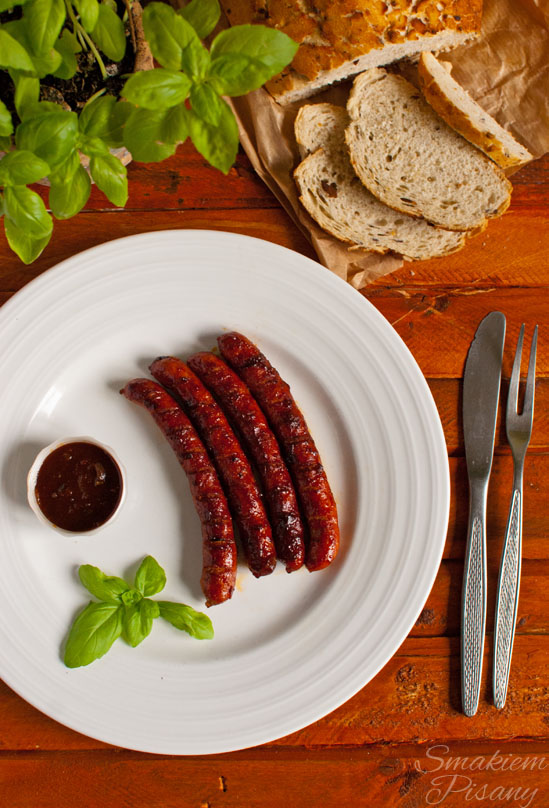 Kiełbaski w glazurze ze słodkiego sosu BBQ