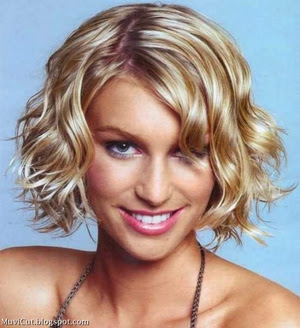pictures of short wavy hairstyles for women
