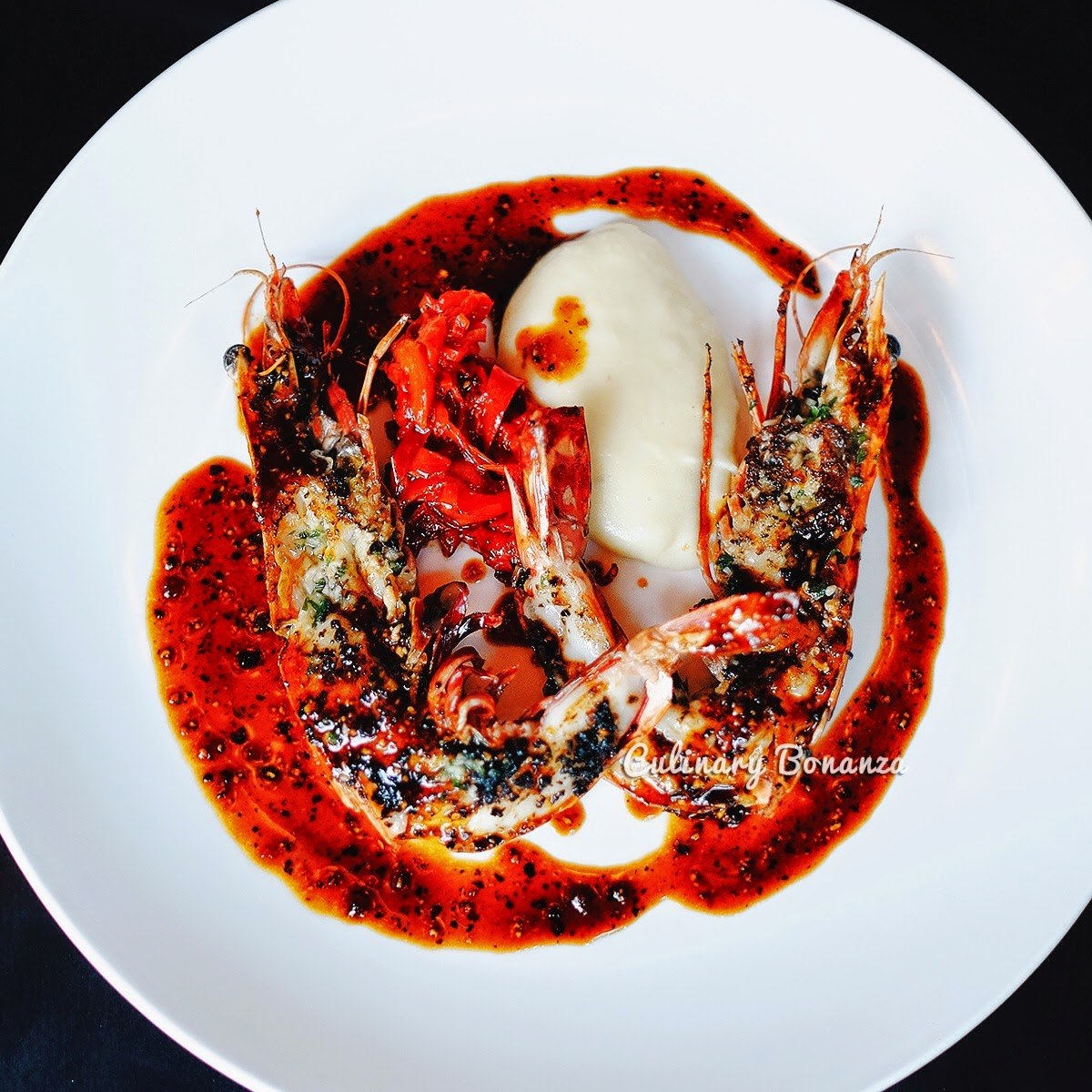 Crevette Geante Tigree - grilled jumbo tiger prawns, sauce Diablo, bell peppers & mash potato