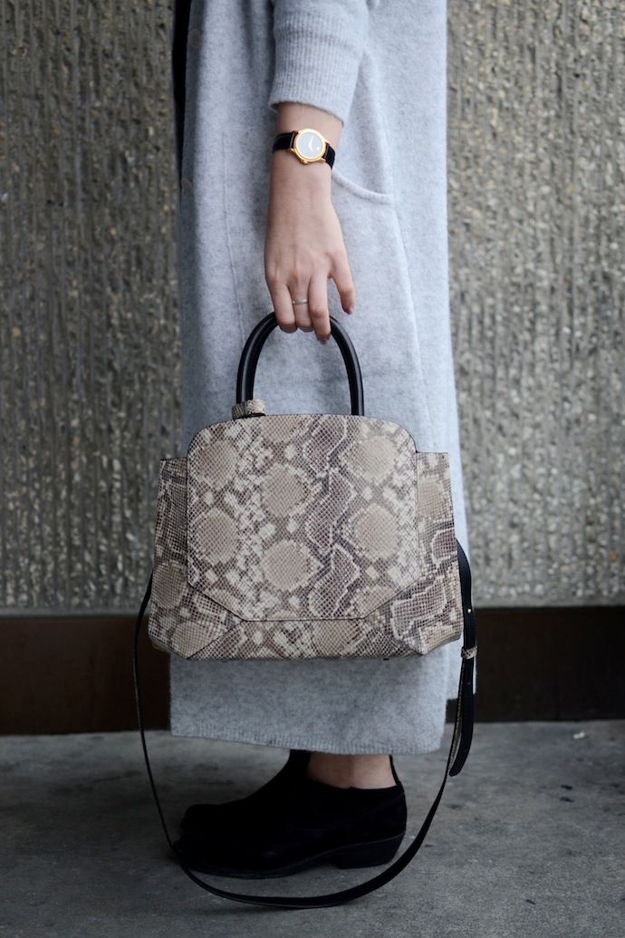 #ThankstoYou Vancouver blogger Aritzia Babaton Silvano cardigan coat and snake print Auxilary Bega handbag