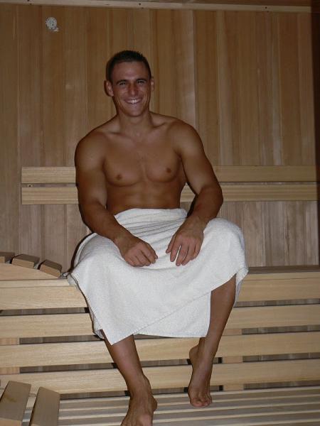 naked hung gay men