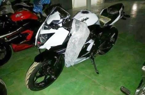 Hari Jumat nanti Kawasaki bakalan launching motor baru . . . Ninja 250 single silinder kah ?