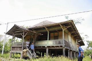 Rumah adat masyarakat Lampung
