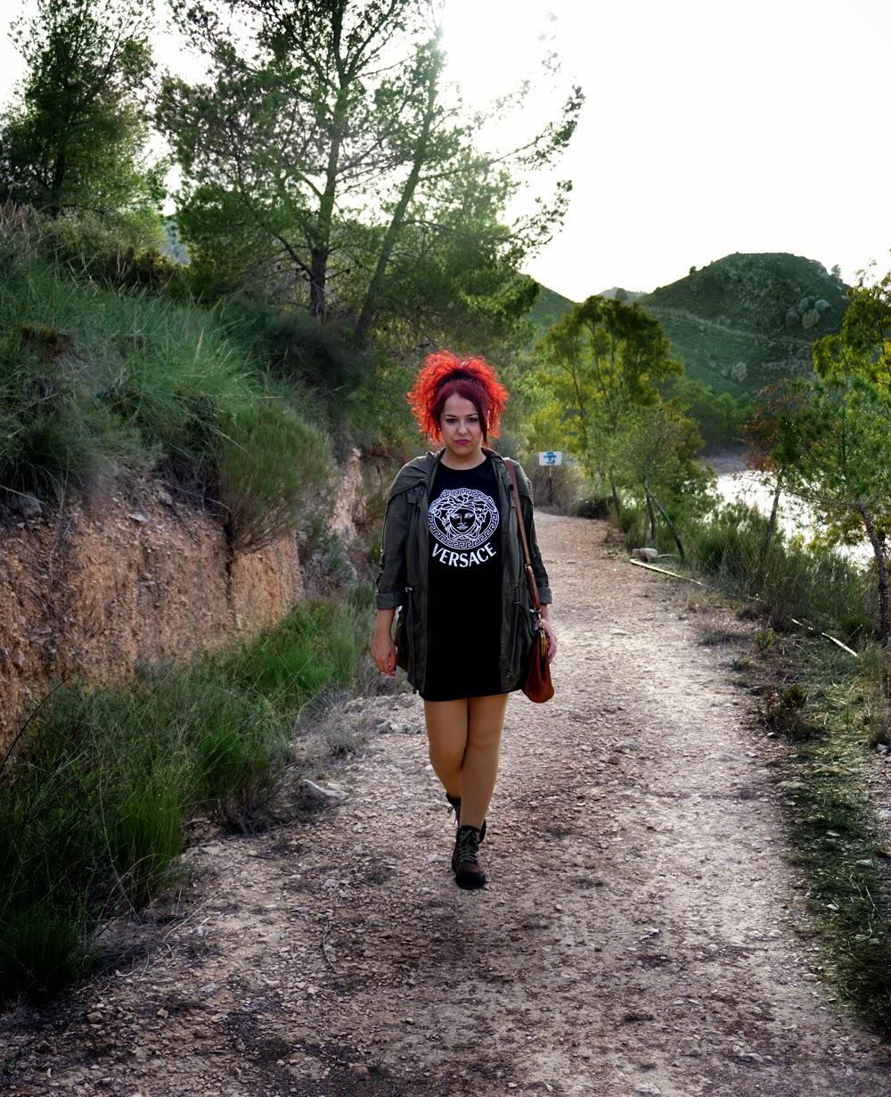 Tendencia Milita-Camiseta Versace