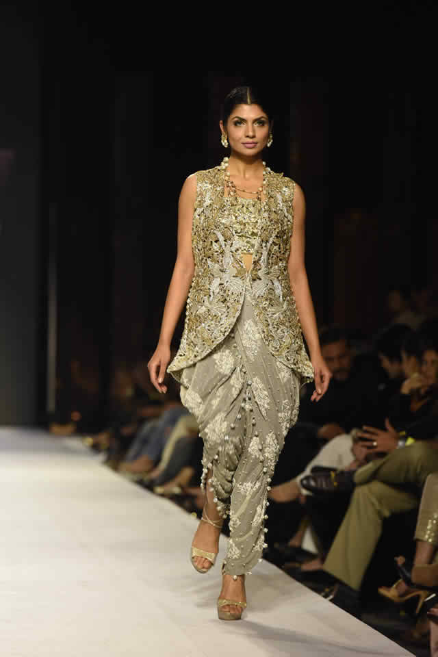 Nida Azwer's Collection at FPW For 2015