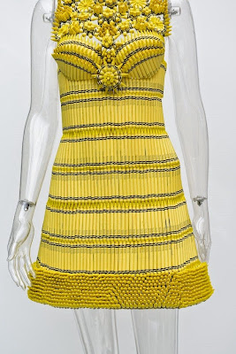[Bloomingdale's crayon clothes] Stunning Crayon Clothes turns Crayons into High Fashion