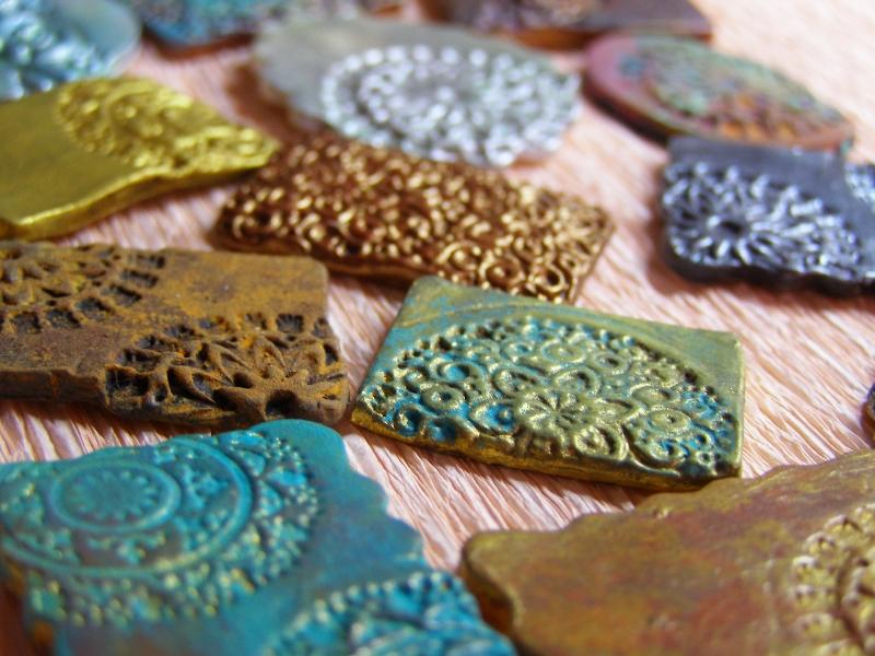 Peque eces efectos met licos con pinturas acr licas - Pinturas para metal ...