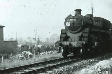 76009 approaching Cambridge crossing