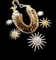 http://www.stylemoi.nu/sun-flower-statement-necklace.html